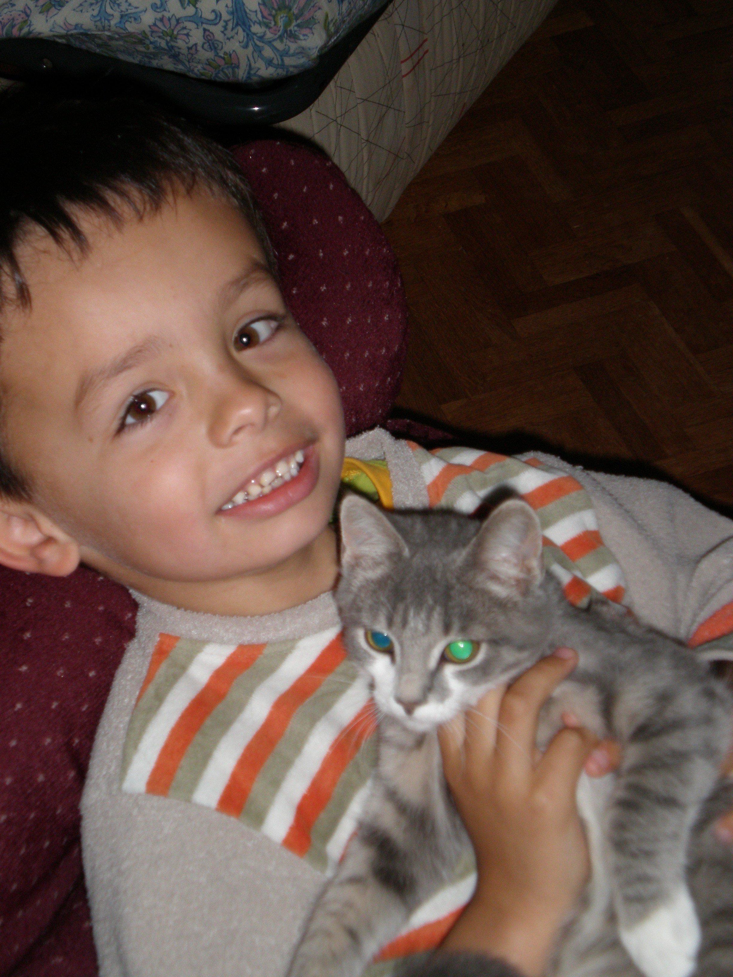 Dorian et son minou Grisette.